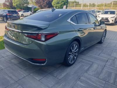 Lexus ES 300h Prestiege Top