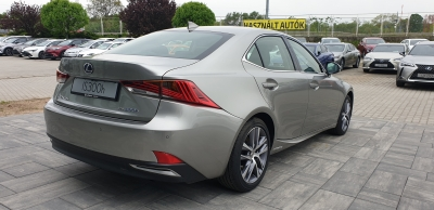Lexus IS 300h Prestiege Plus Safety